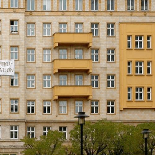 Mieterproteste gegen den Verkauf ihrer Wohnungen.