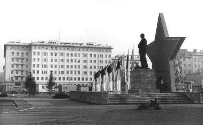 Berlin, Karl-Marx-Allee, Stalin-Denkmal